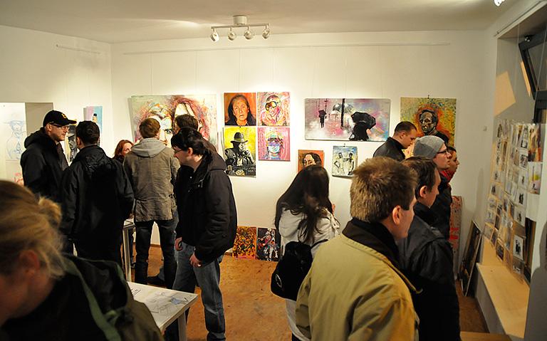Blick ins Atelier - am Abend der Eröffnung.