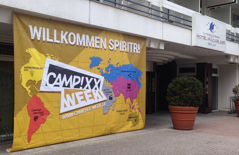 Plakat zur Begrüßung der Teilnehmer an der Campixx Week 2016 im Hotel Müggelsee Berlin