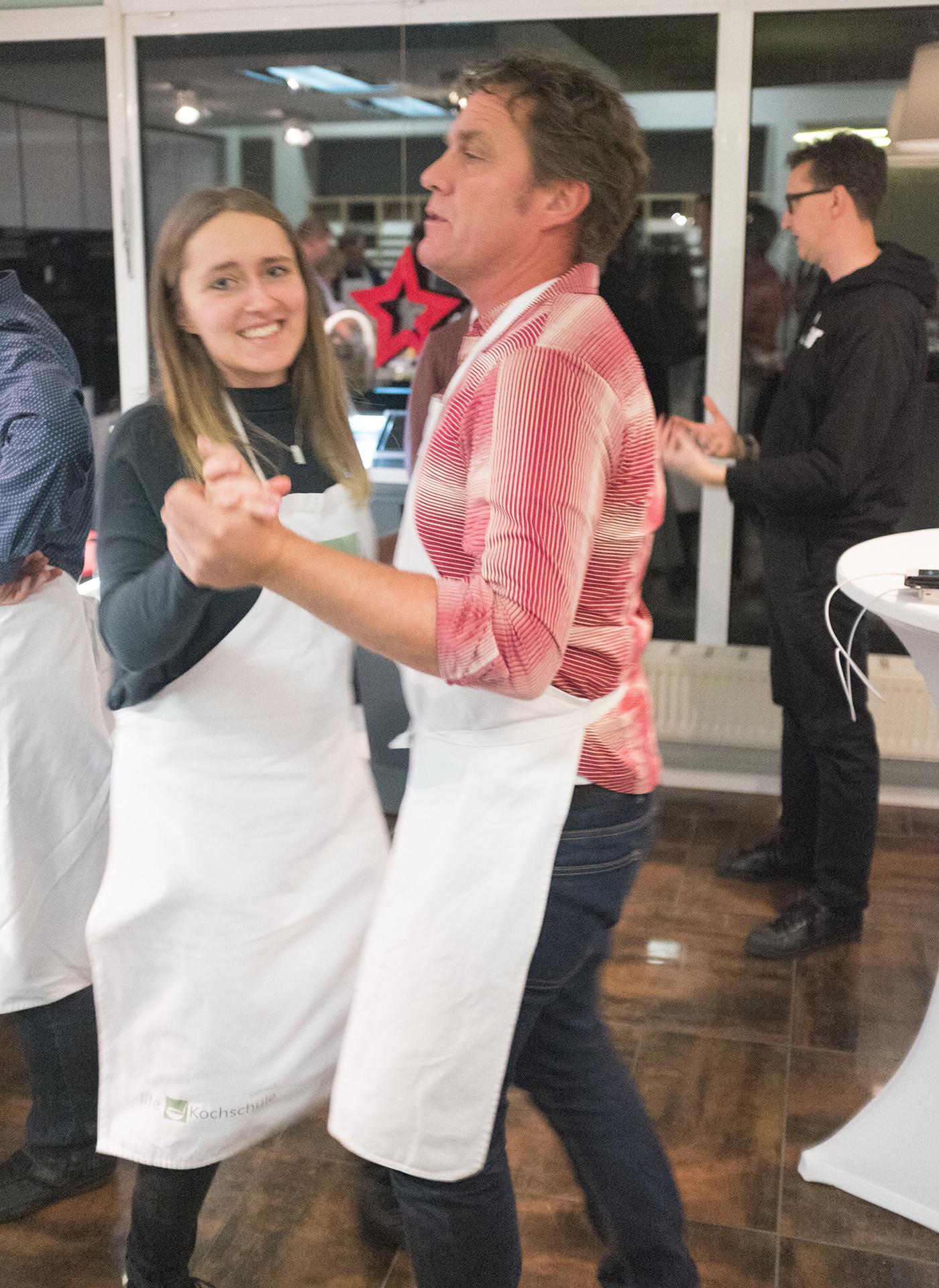 Lars und Caro tanzen