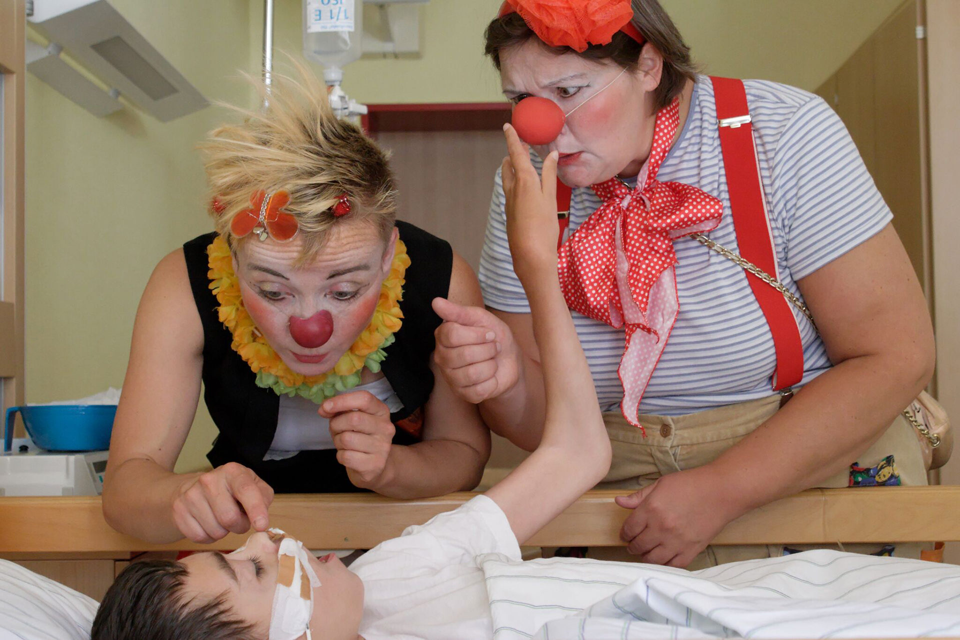 Clowns am Klinikbett