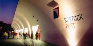 Hafen Rostock mit flexiblem Design und live Content